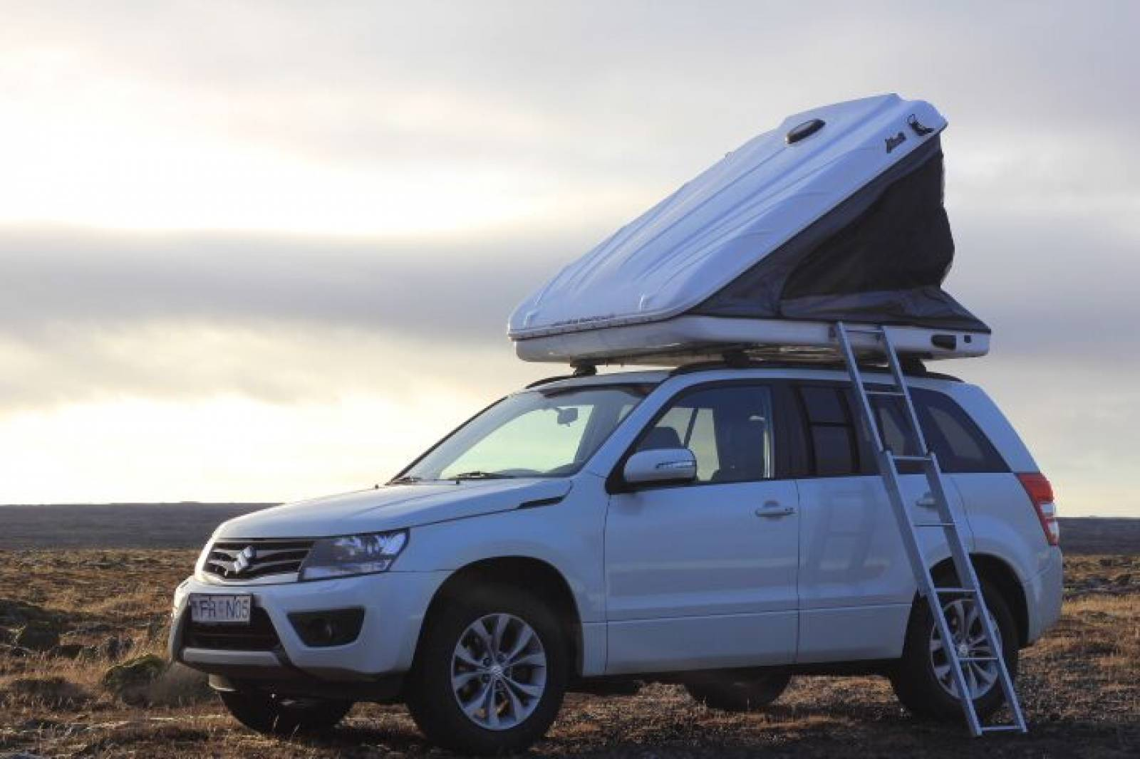 Grand Vitara Roof Tent with ladder