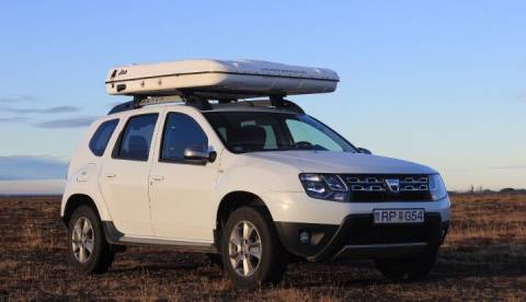 Dacia Duster 2017 with Roof Tent closed