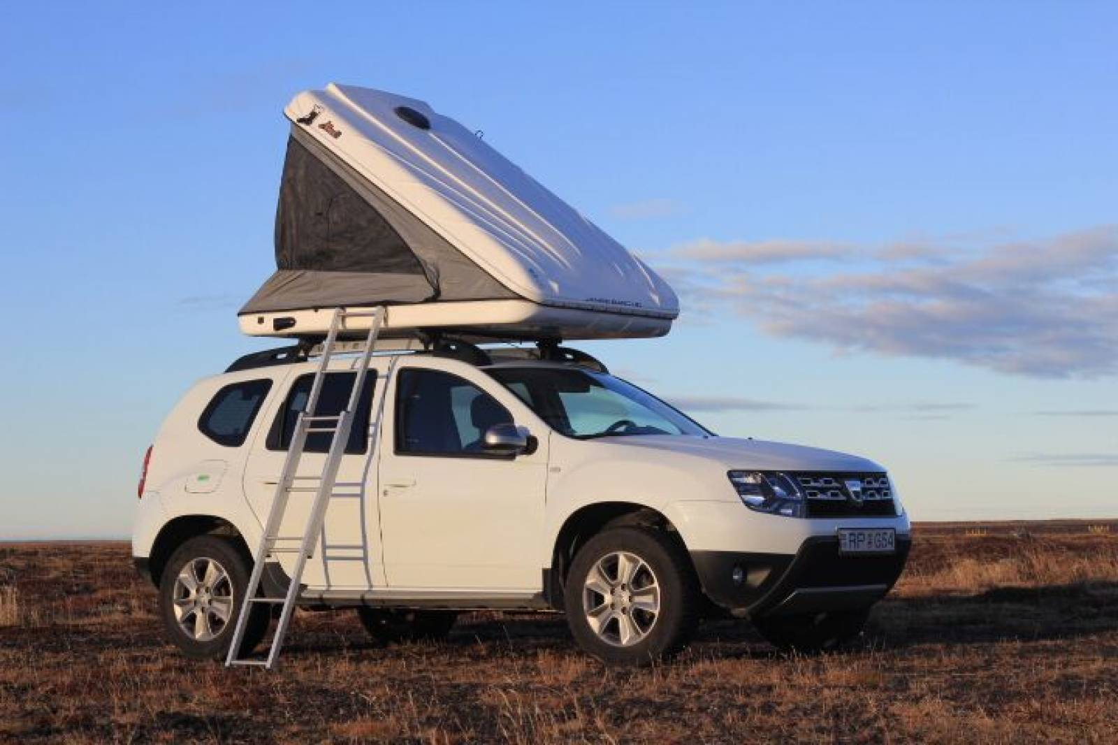Dacia Duster 2017 with roof tent