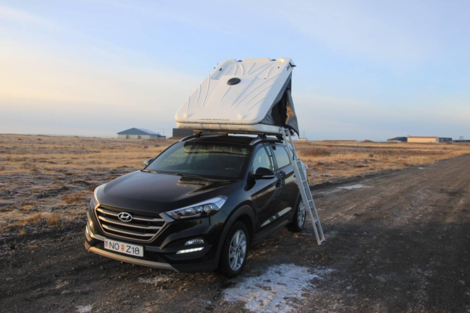 Hyundai Tucson + Roof Tent